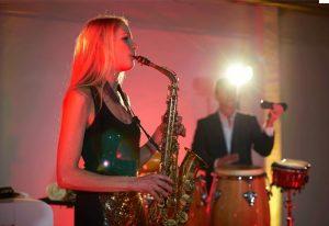 Saxophonistin DJ München
