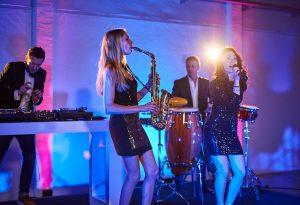DJ-Saxophonistin-Kosten